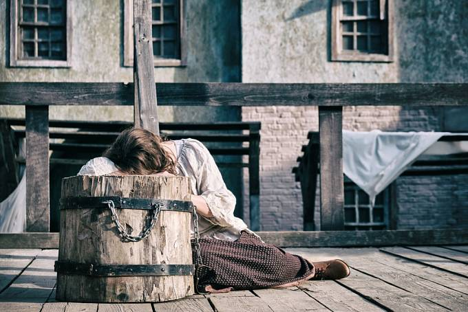 Tresty za cizoložství bývaly ve středověku tvrdé.
