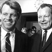Robert F. Kennedy s Willym Brandtem.
