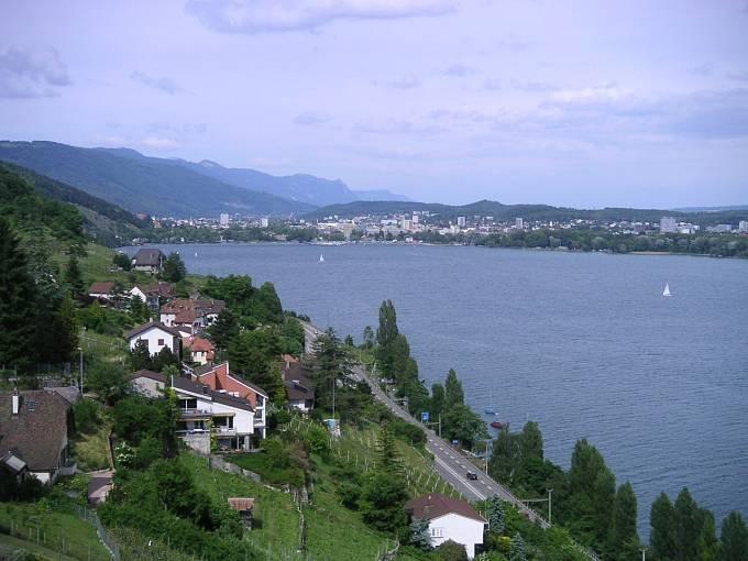 Pohled na Bielské jezero.