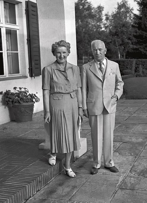 Marta Gottwaldová se nebála obléct stejné šaty jako Hana Benešová