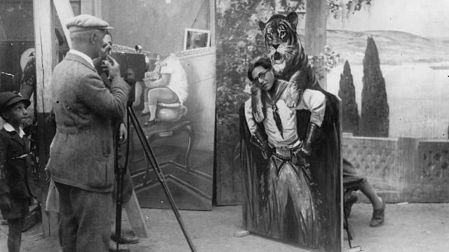 U fotografa - cca 1930