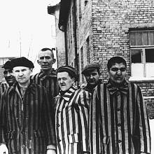 Vězni v Osvětimi, leden 1945