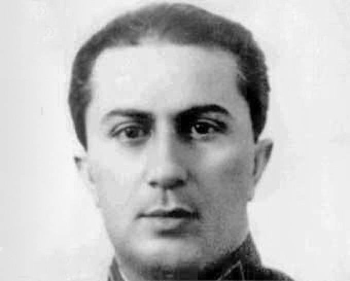 Stalinův Syn Jakov zdědil rysy po matce.