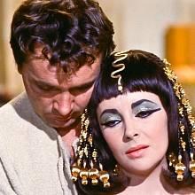 Elizabeth Taylor a Richard Burton v americkém velkofilmu Kleopatra
