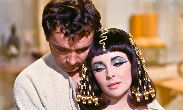 Elizabeth Taylor a Richard Burton vamerickém velkofilmu Kleopatra