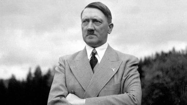 Za 17 let se na titulní stráně Police Gazette objevil Adolf Hitler sedmatřicetkrát.