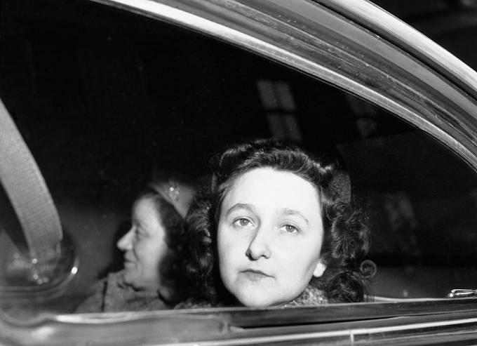 Julius a Ethel Rosenbergovi čekají na popravu