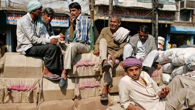 Indové kouří stále méně.