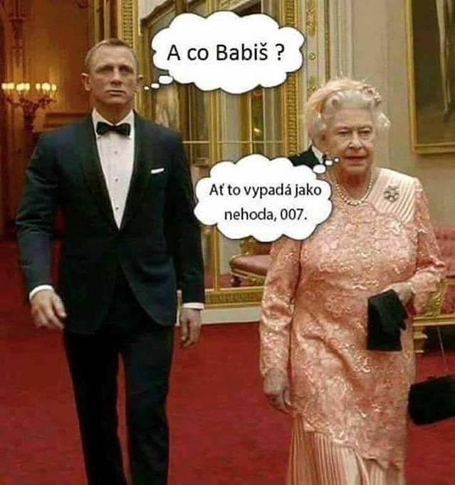 Objevil se i prastarý mem s britskou královnou