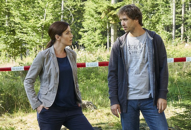 Soňa Norisová a Filip Tomsa v seriálu Policie Modrava