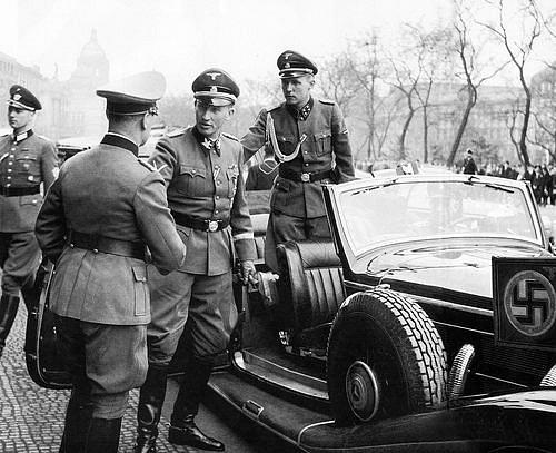 Reinhard Heydrich vulicích Prahy