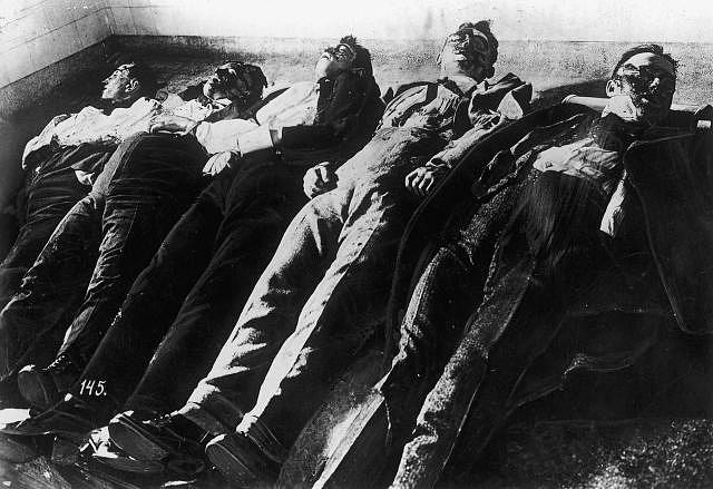 Tzv. Masakr na den svatého Valentýna vroce 1929odstartoval Al Caponův pád