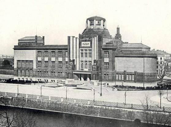 Městské muzeum vHradci Králové (1906–1913)
