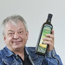Kromě českého česneku dováží Martin Fripp olivový olej z Kréty