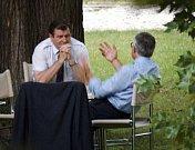 Jednání mezi čtyřma očima, zahrada vily Tugendhat