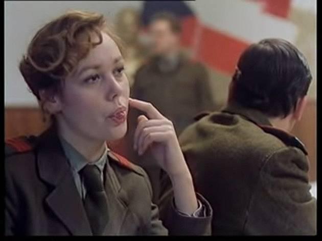 Martina Adamcová jako četařka Babinčáková ve filmu Tankový prapor