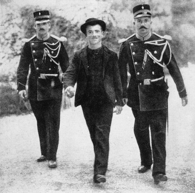 Zatčený Luigi Lucheni byl na svůj čin hrdý.