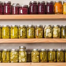 Mít zásobu trvanlivých potravin se může hodit.