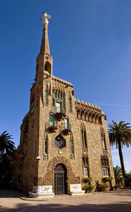 """Dům Bellesguard (čili """"Krásná vyhlídka"""") z let 1900 až 1909 stojí na místě bývalého paláce aragonských králů v Barceloně."""