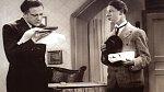 Hugo Haas a Ladislav Pešek ve filmu Okénko