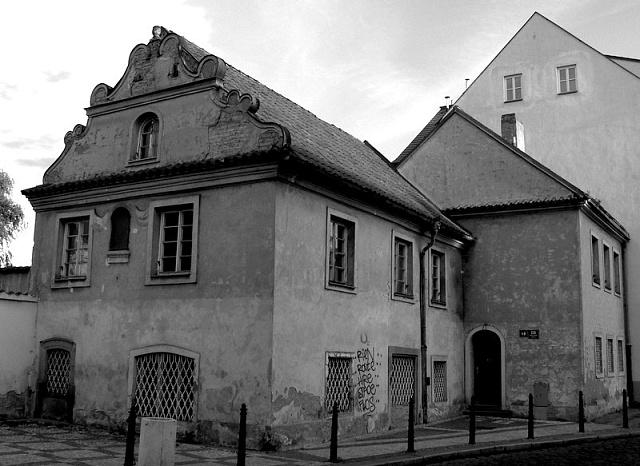 Dům na pražském Klárově, kde žila a zemřela herečka Slávka Budínová, zakoupila likérka Rudolf Jelínek