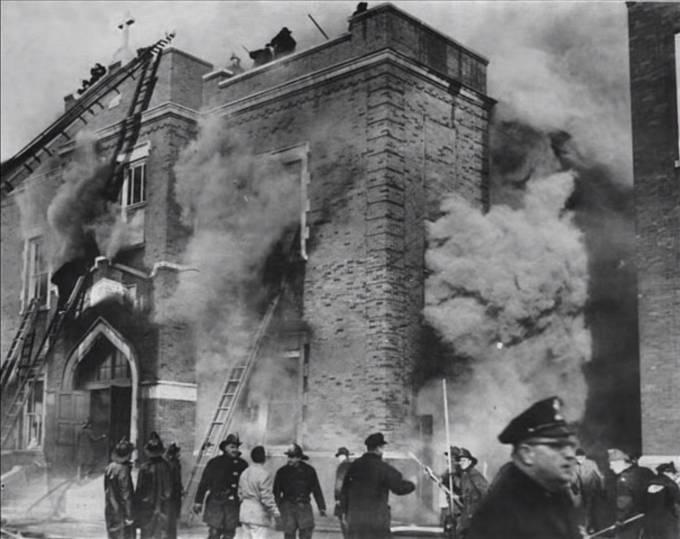Požár chicagské Školy Panny Marie Královny andělů