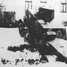 Zapadlý obrněný automobil na Podkarpatské Rusi