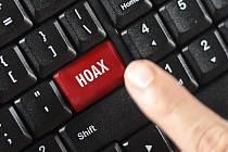 Šíření hoaxů napomáhá fakt, že novináři jsou považováni za součást nevěrohodného establishmentu