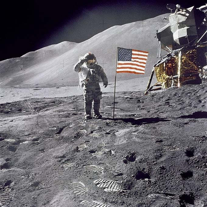 Vše nasvědčuje tomu, že lidé na Měsíci skutečně přistáli.