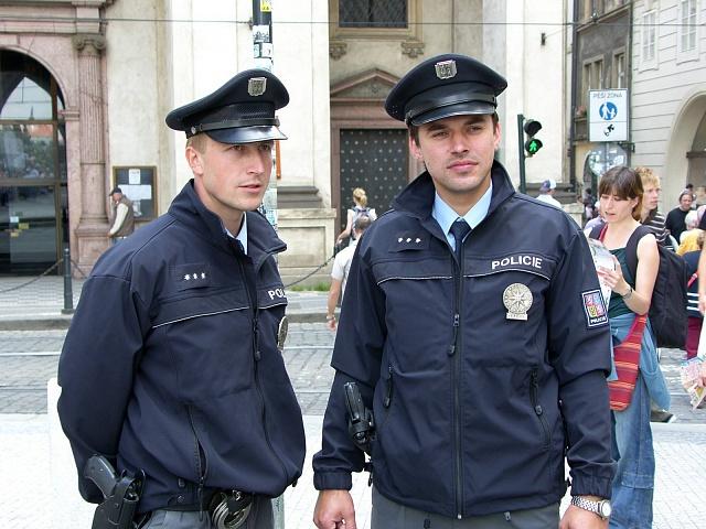 Policie začala komunikovat v sociálních sítích, ale trochu jednostranně