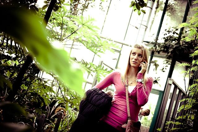 Telefonování nevýhodné například pro ženy samoživitelky, tvrdí sdružení