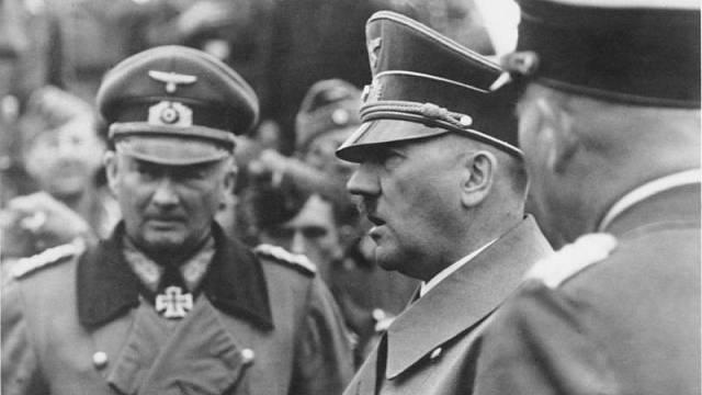 Hitler se jako odnaučený kuřák stal velkým odpůrcem kouření.