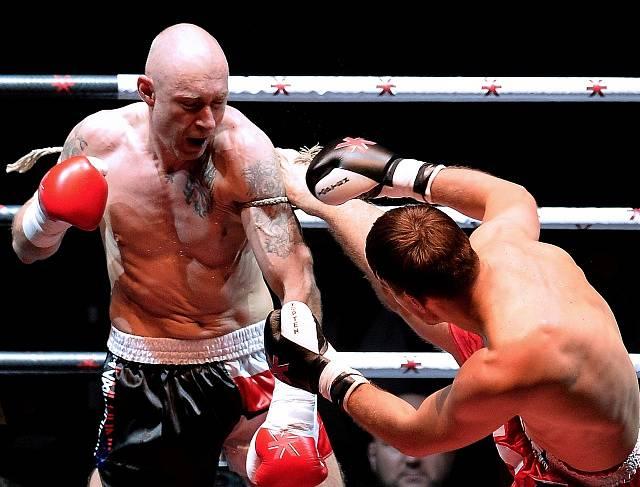 Daniel Landa jako boxer v ringu s Riku Immonenem