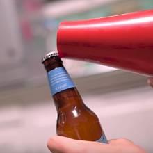 Zkoušeli jste otevřít pivo fénem na vlasy?