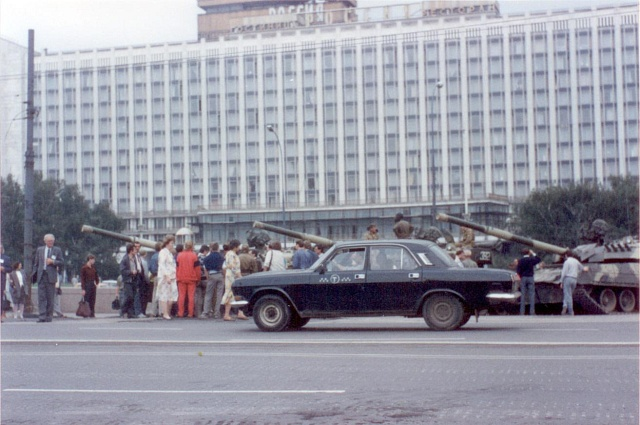 Hotel Rossija vtěsné blízkosti Rudého náměstí, kde byli ubytováni účastnici sjezdu,  19.srpen 1991odpoledne.