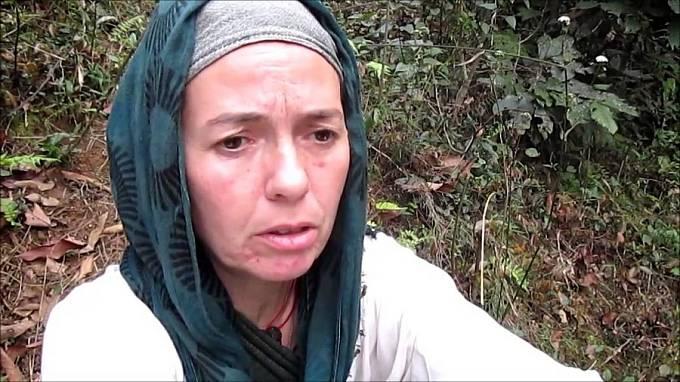 Slovenka Mariči hledala v Nepálu osvícení, místo toho strávila tři měsíce v řetězech u stromu.