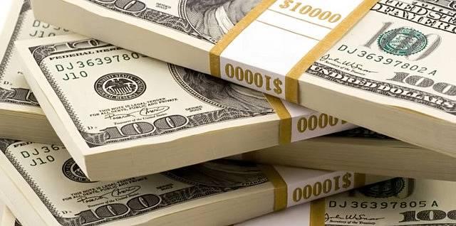 Pak náhle vyhrála v loterii 18 milionů dolarů a chtěla se o ně rozdělit.