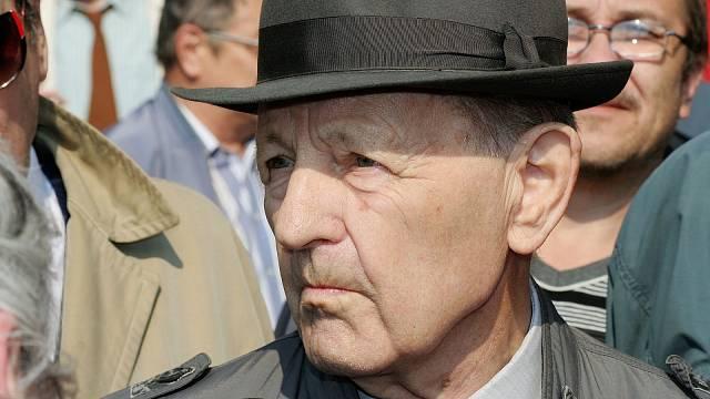 Milouš Jakeš díky své rétorické schopnosti pobavil český národ