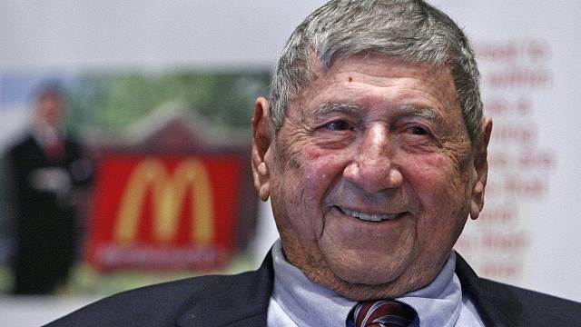 "Vynálezce Big Macu Michael ""Jim"" Dellicatti"