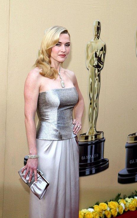 Róby YSL často oblékají hvězdy Hollywoodu: Kate Winslet