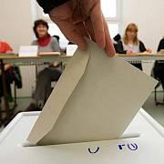 Postačí voličům i nadále jen občanka, nebo se budou muset prokázat českým daňovým domicilem, bezúhonností, výší příjmů či inteligenčním kvocientem?