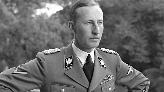 Reinhard Heydrich vypracoval plán konečného řešení české otázky.