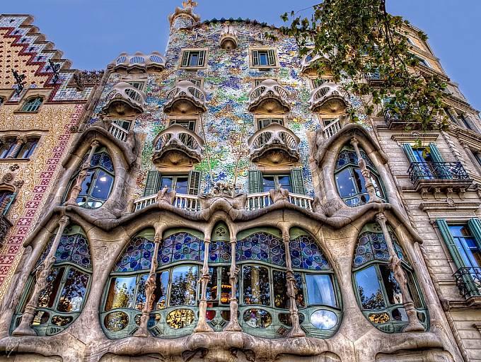 Dům Casa Batlló v Barceloně postavil Gaudí v letech 1905 až 1907 pro textilního magnáta Josepa Batlló.