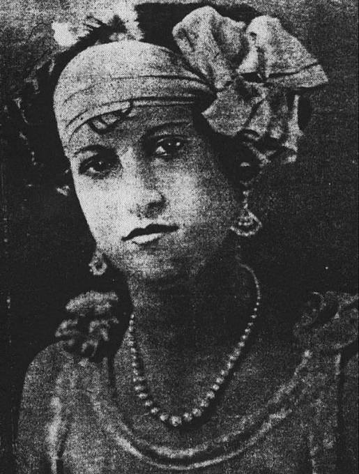 V souvislosti s Verou Renczi se v tisku objevovaly různé portréty.