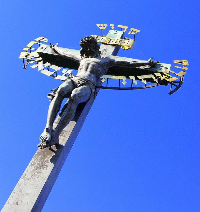 Ukřižovaný Kristus na pražském Karlově mostě