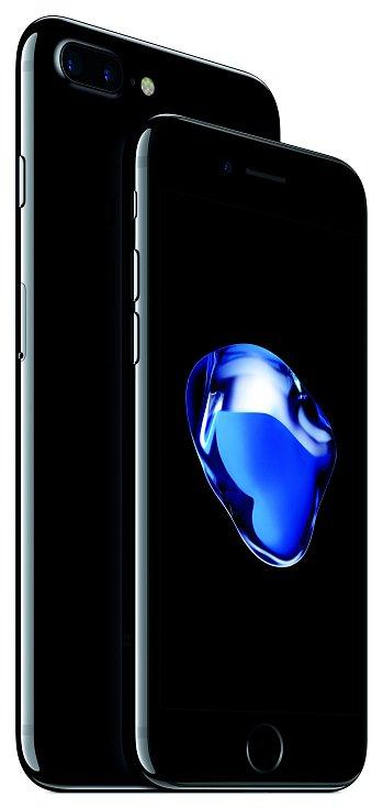 """Nejnovější sedmou generaci """"ajfounů""""představil Apple letos na začátku září. (na smínku je iPhone 7 Plus)"""