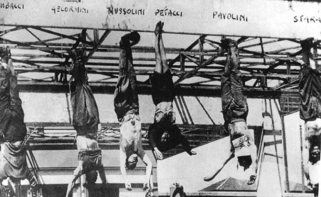 Dopadeného a zastřeleného italského diktátora Benita Mussoliniho pověsili partyzáni 29.4.1945 isjeho milenkou a doprovodem na konstrukci čerpací stanice vMiláně.