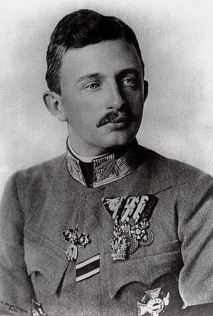 Poslední vládnoucí panovník včeských zemích – rakouský císař Karel I., jako český král Karel III. (po Karlu IV. a Karlu VI.)