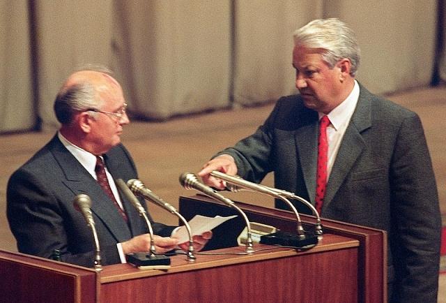 Podzim 1991: při zasedání Nejvyššího sovětu SSSR už hrál Jelcin prim nad Gorbačovem
