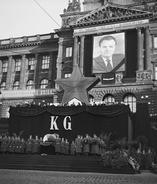 Zakončení průvodu na Václavském náměstí